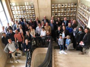 Tous les lauréats devant la galerie de tous les ministres, dont deux Palois !